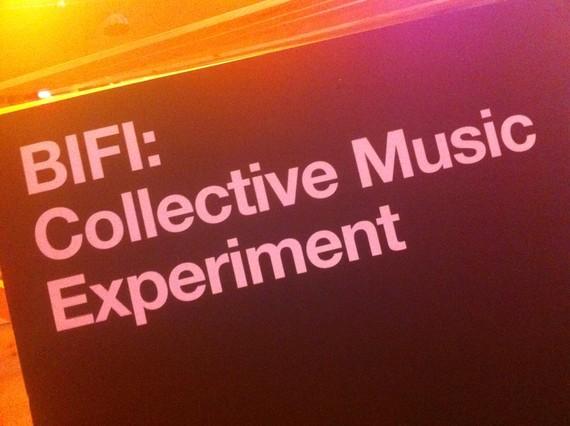 Cartel del Collective Music Experiment colocada en el espacio MarketLab del Sónar +D.