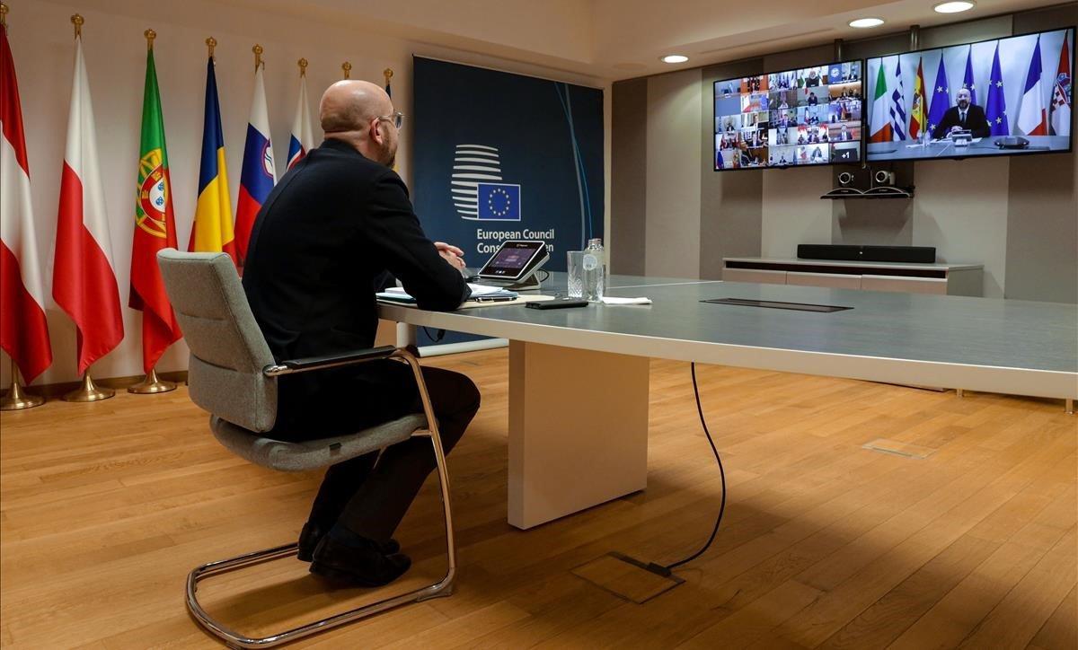 El presidente del Consejo Europeo, Charles Michel, participa en una videoconferencia con los líderes de la UE en el edificio del Consejo Europeo en Bruselas, el pasado 10 de marzo.