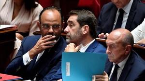 El primer ministro, Edouard Philippe (izquierda) con otros miembros del Gobierno.