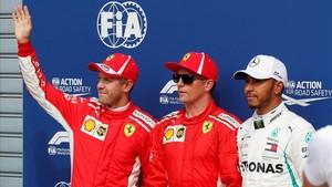 Raikkonen se llevó la pole para Ferrari en una impresionante vuelta seguido de Vettel y Hamilton.
