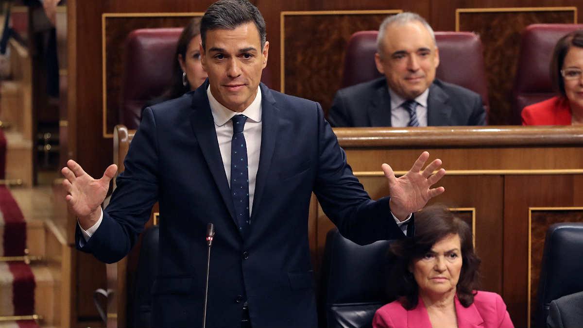 Rivera lamenta que Sánchez tenga que ir a la cárcel a negociar los Presupuestos