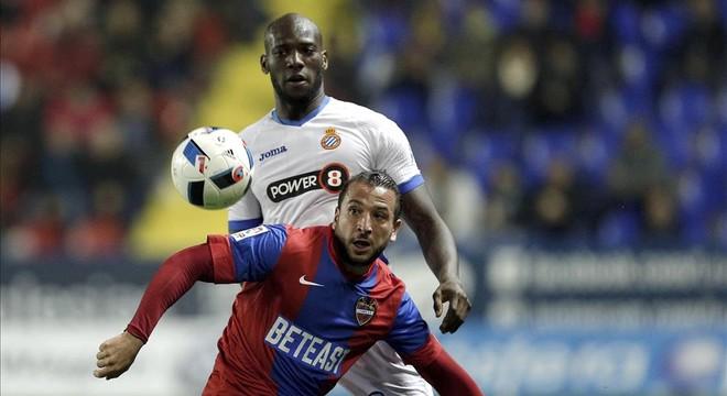 El Espanyol empata en su estreno en Valencia