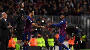 Semedo abandona lesionado el Barça-Celta y es sustituido por Busquets.