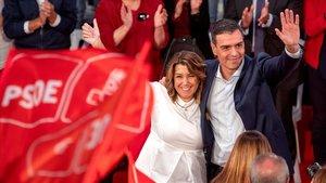 Susana Díaz y Pedro Sánchez, en un mitin del PSOE en Cádiz