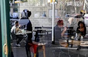 El bar Tarannà, en la calle de Viladomat, del barrio de Sant Antoni.