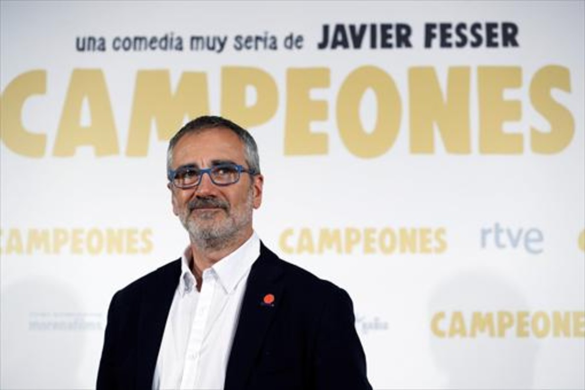 Una imagen promocional de Campeones, con Javier Gutiérrez en el centro.