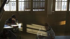 Estudiantes de cuarto de ESO del instituto Lluís Vives de Barcelona, en un examen de competencias básicas.