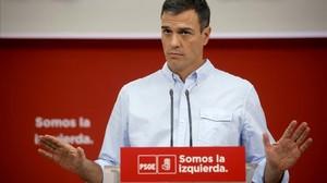 Pedro Sánchez durante su rueda de prensa en la sede del PSOE en Madrid, en la calle Ferraz.