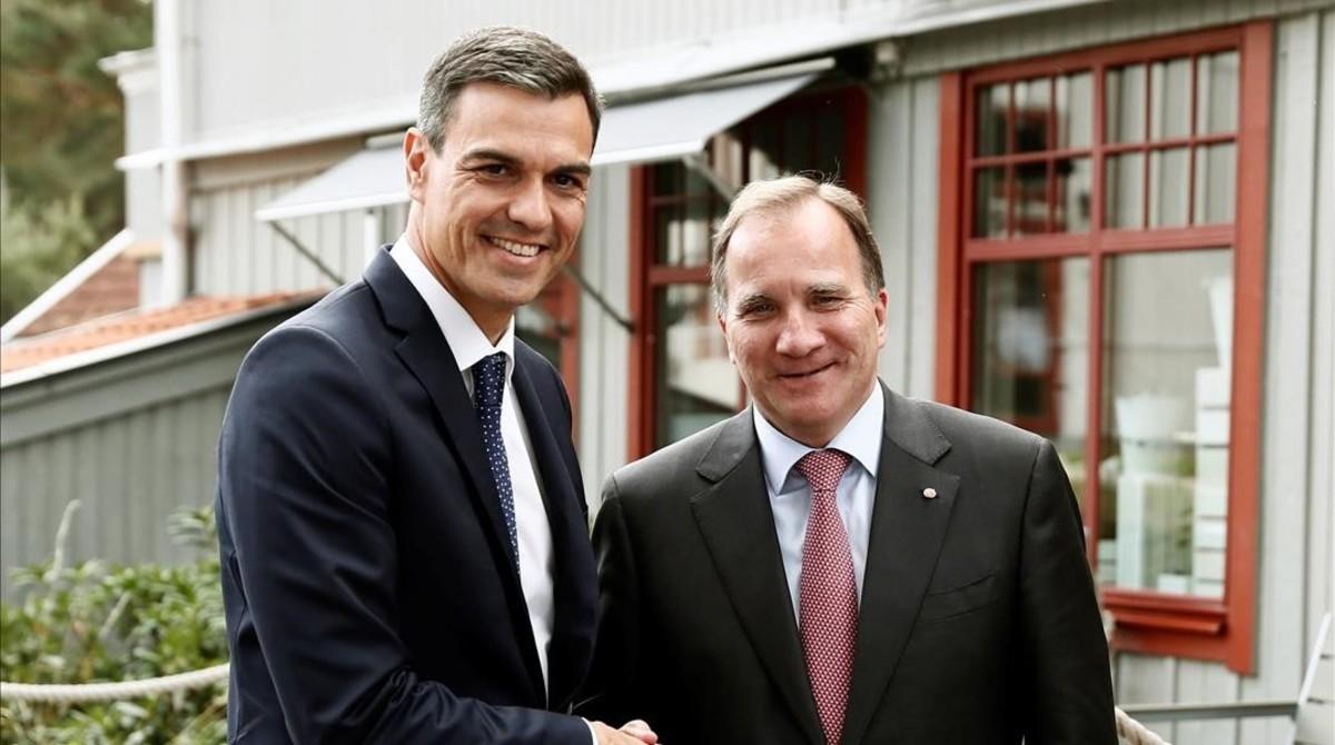 Pedro Sánchez y el primer ministro sueco, Stefan Löfven, este miércoles en Enköping.