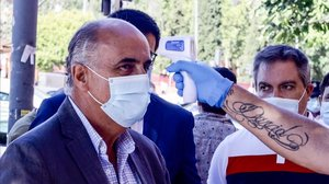 El viceconsejero de Salud de Madrid, Antonio Zapatero, en el dispositivo para pruebas de covid-19 en Alcobendas.