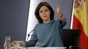 La vicepresidenta del Gobierno, Soraya Sáenz de Santamaria, durante una rueda posterior al Consejo de Ministros.