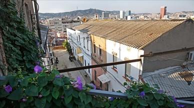 El pueblo 'abandonado' que lucha por sobrevivir en Montjuïc