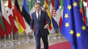 Tusk llega a la cumbre en Bruselas.
