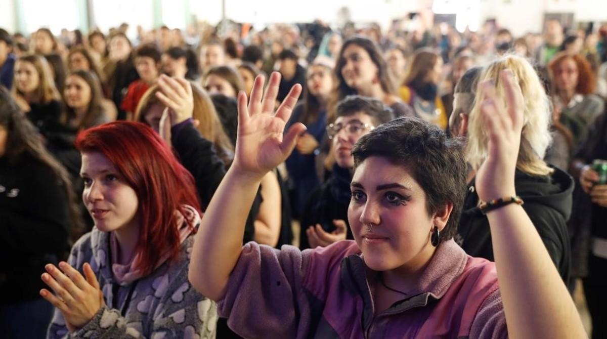 L'1-O i el 155 es colen en la vaga feminista a Catalunya