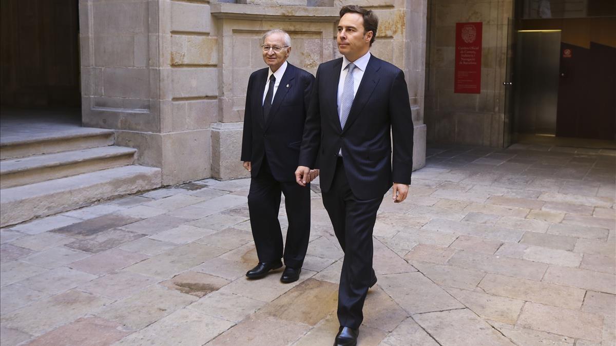 Gimeno, en primer término, acompañado por el presidente de la Cambra de Comerç, Miquel Valls.