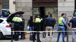 Desmantellats dos narcopisos a tan sols 200 metres de l'Ajuntament de Barcelona