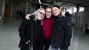 De izquierda a derecha Miki Espuma, Pep Gatell yCarlus Padrissaen la sede de la Fundació Èpica, antigua fábrica de Muebles Rojas.