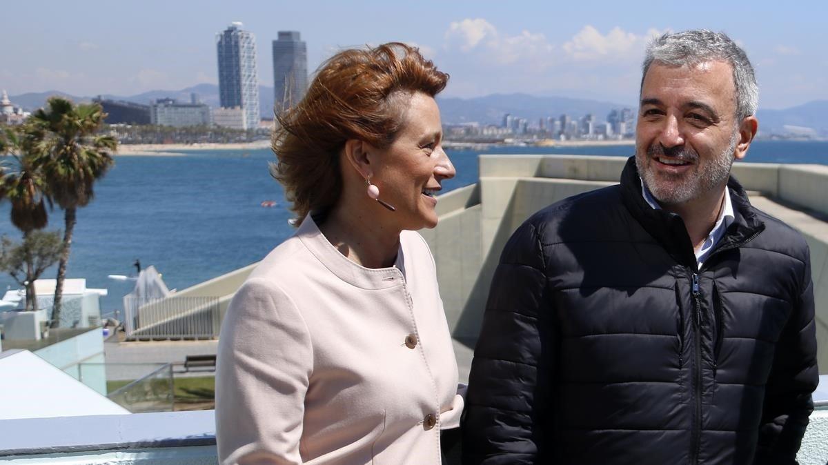 Laia Bonet y Jaume Collboni, este martes durante la presentación de sus propuestas para transformar Barcelona.