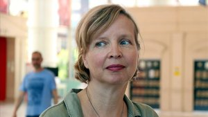 La alemana Jenny Erpenbeck, este lunes en Barcelona, horas antes de recibir el Premi Llibreter.