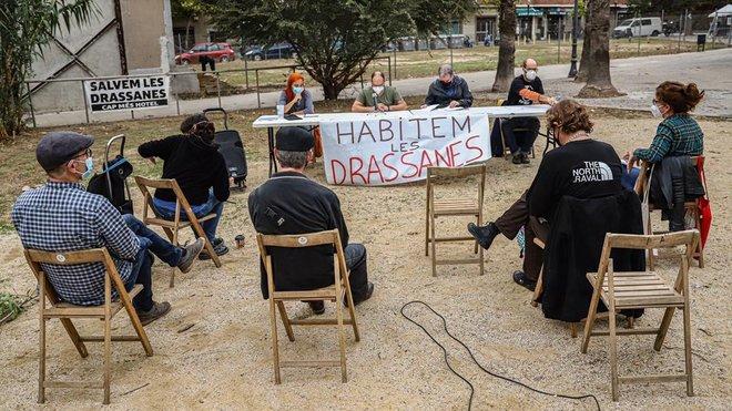 Una nova plataforma veïnal demana vivenda social al solar de Drassanes