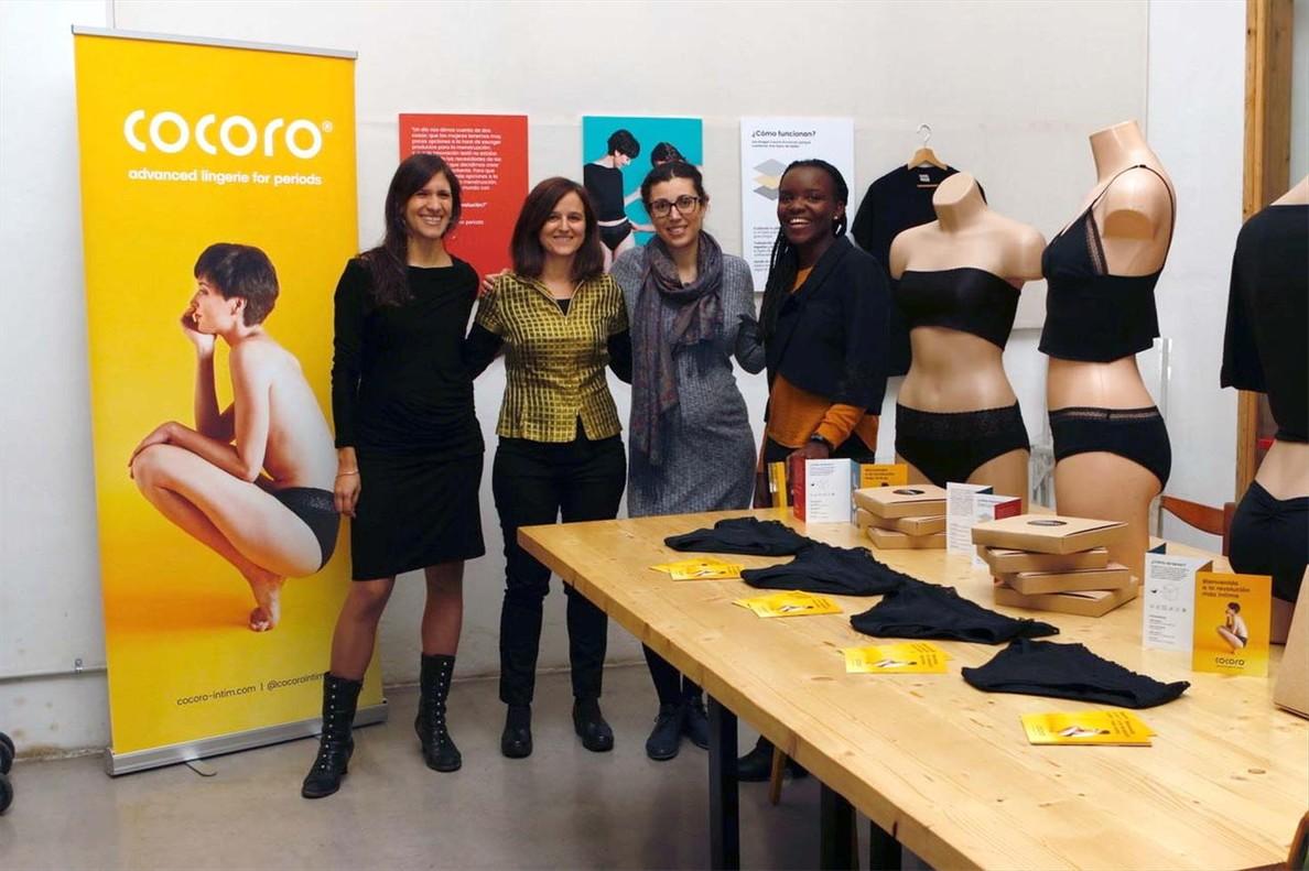 Eva Polío, Clara Guasch, Cris Torres y Laida Memba, de la cooperativa Femmefleur, creadoras de las braguitas Cocoro.