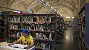 zentauroepp37785351 barcelona 23 03 2017 bibliotecas refugio esteban en la bi170324092023