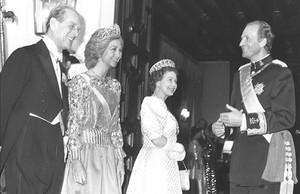 zentauroepp39256175 reyes de espa a visitan gran breta a londres 24 4 1986 l170711164545