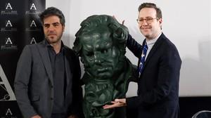 Joaquín Reyes (derecha) y Ernesto Sevilla, en la Acadmeia de Cine donde han presentado la gala de los Goya 2018.