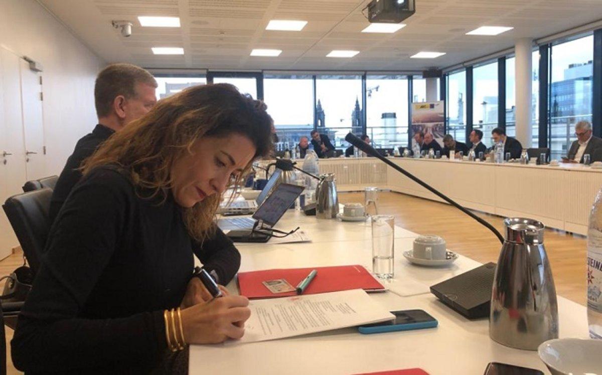 La alcaldesa de Gavà, Raquel Sánchez, durante la asamblea general del ARC
