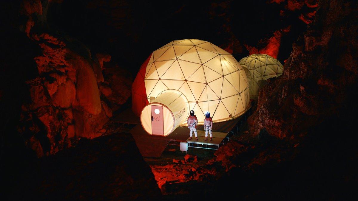 La startup Astroland ha creado una cápsula en una cueva de Cantabria que emula las condiciones de vidaen Marte. Venden estancias de 4 días por 6050 euros.
