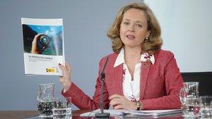 La ministra de Economía, Nadia Calviño, durante la rueda de prensa posterior al Consejo de Ministros en el que ha presentado las políticasde la Agenda del Cambio.