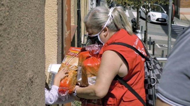 La campaña contra la exclusión social del Parc Sanitari Sanitari Sant Joan de Déu garantiza la alimentación de 350 personas