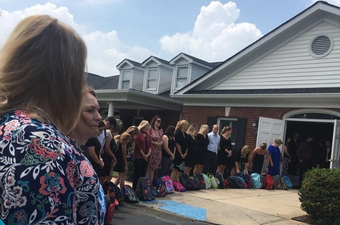 Una mestra nord-americana demana material escolar per als alumnes necessitats en comptes de flors en el seu funeral