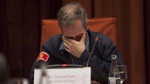 Carles Font, el Delta Cero del incendio de Horta, emocionado ante la comisión de investigación del Parlament, en la que cargó contra los intereses partidistas.