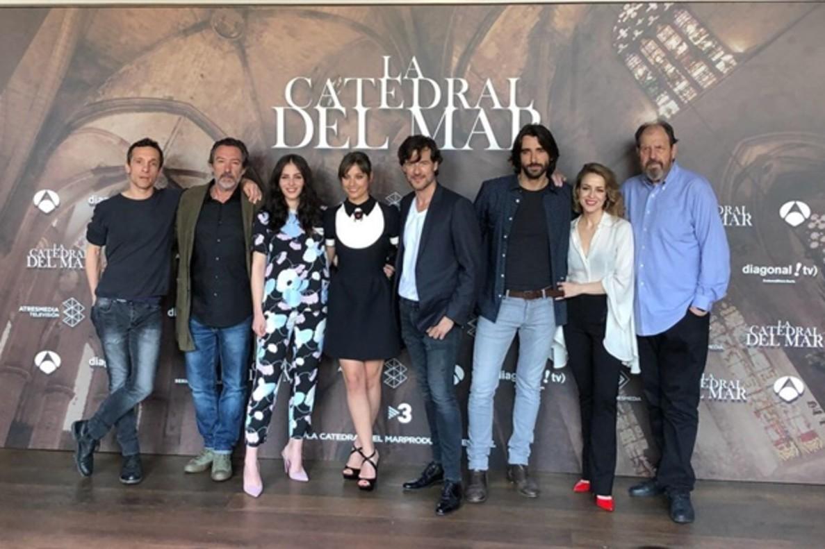 """Antena 3 presenta 'La catedral del mar', su apuesta más cinematográfica: """"Es una serie compleja"""""""