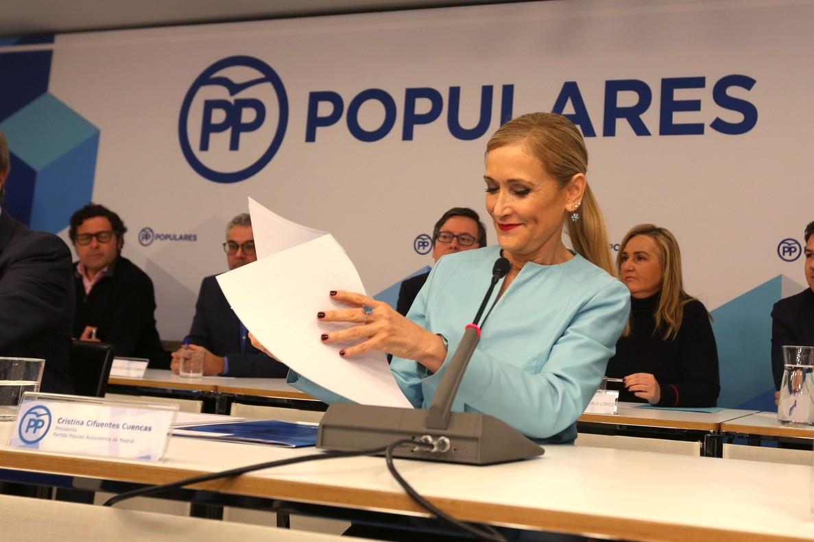 La presidenta de la Comunidad de Madrid, Cristina Cifuentes, preside la reunion del PP de Madrid.