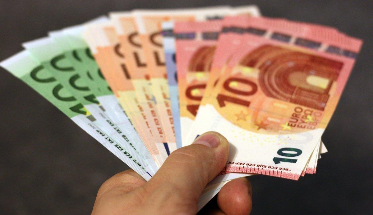 La renta básica de emergencia, a debate: ¿nos pagarán un 'sueldo' por el coronavirus?