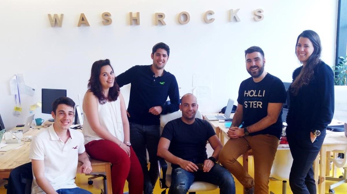 Equipo de Washrocks, con Iván Hernández (segundo por la derecha) como consejero delegado.