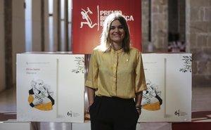 La escritora Elvira Sastre, ganadora del Premio Biblioteca Breve, este lunes.