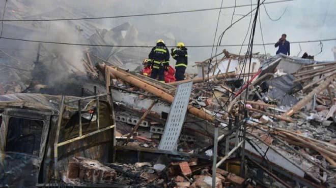 Almenys 10 morts i 117 ferits a l'esclatar un camió de gasolina en una autopista de l'est de la Xina