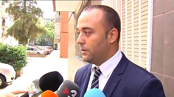 La familia del atacante de la comisaría de Cornellàse plantea tomar medidas judiciales contra los Mossos, según explica su abogado, David Martínez.