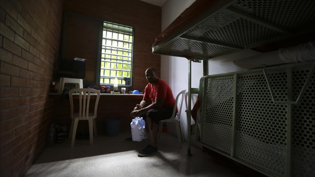 Mohamed, de 36 años, es uno de los internos del módulo 1 para personas vulnerables de la cárcel Brians 1.