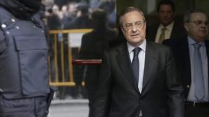 Florentino Pérez, tras declarar como testigo por la operación Púnica, este lunes, 2 de marzo, en la Audiencia Nacional.