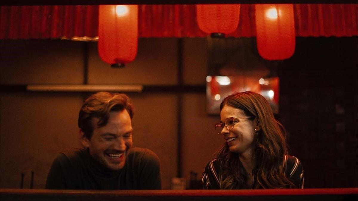 Guillermo Pfening y Laia Costa, en la serie 'Foodie love'.