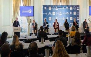 Una conferencia delForo Global América Latina y El Caribe.