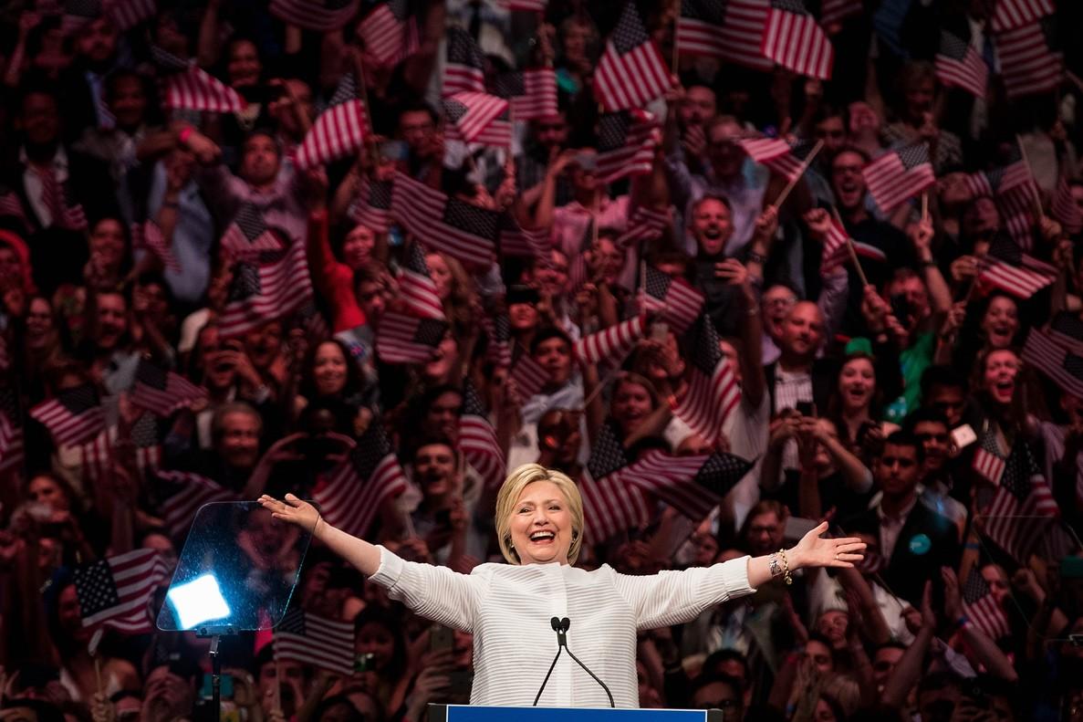 Hillary Clinton se arroga su lugar en la historia