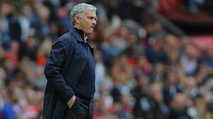 Jose Mourinho, en la banda en un partido del Manchester United