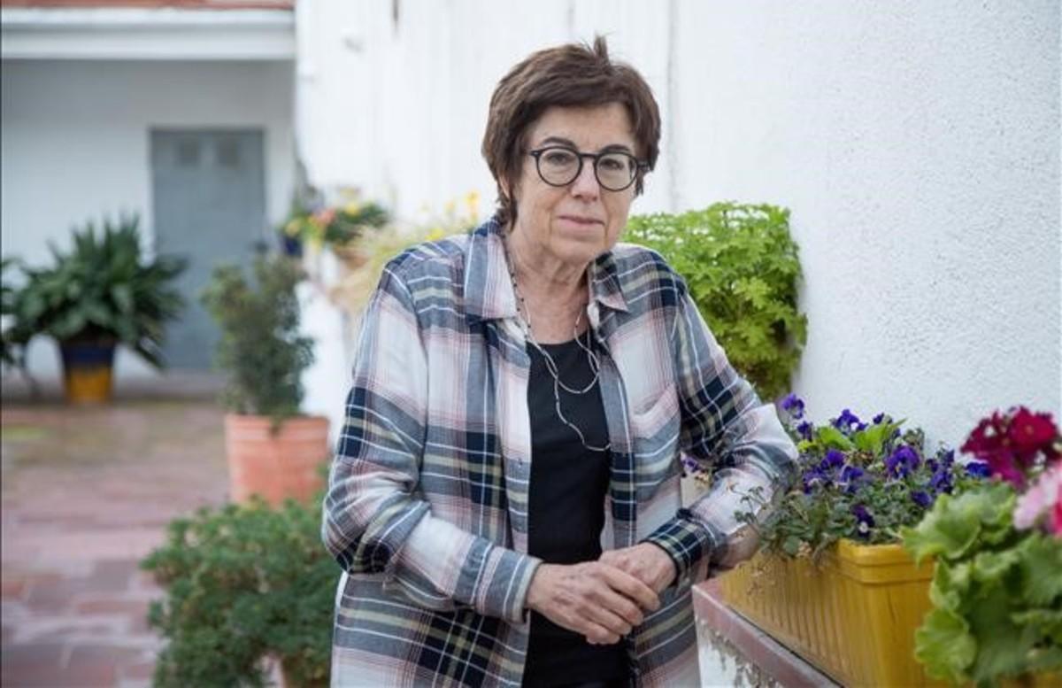 Maria Dolors Calvet, una de las primeras mujeres en recoger su acta de diputada en el Congreso y en el Parlament.