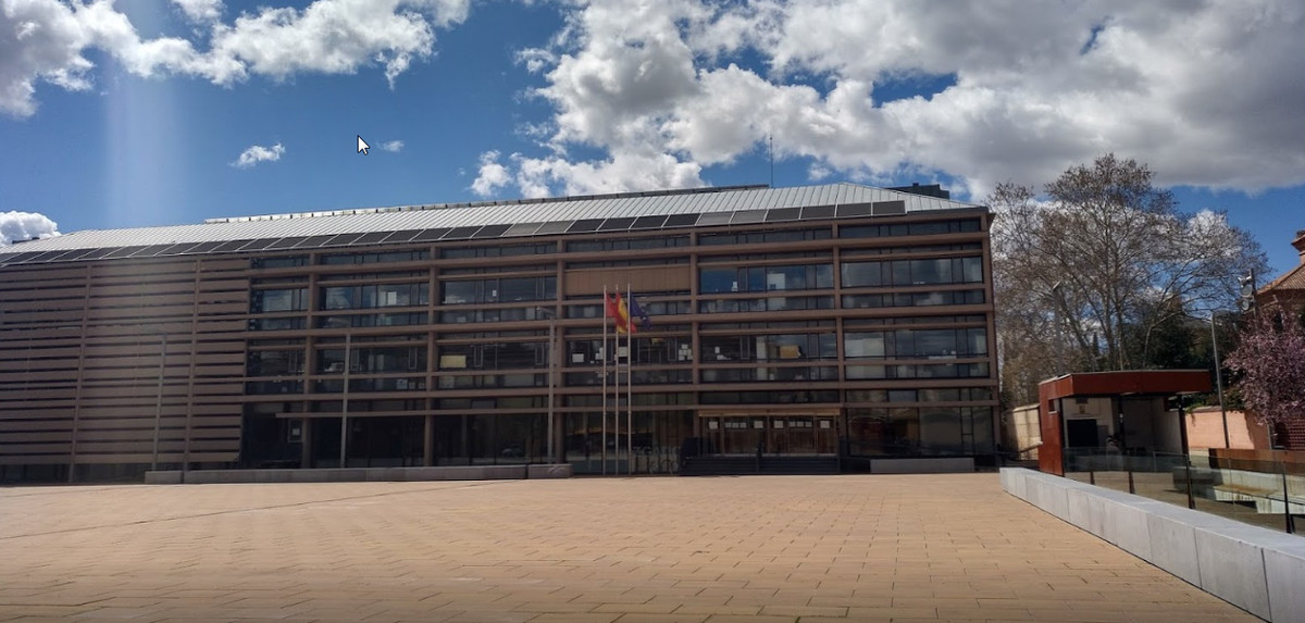 Juzgado de lo penal número cinco de Alcalá.