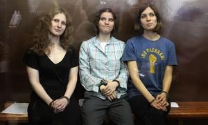 Las Pussy Riot durante el proceso en que se les condenó a dos años de carcel